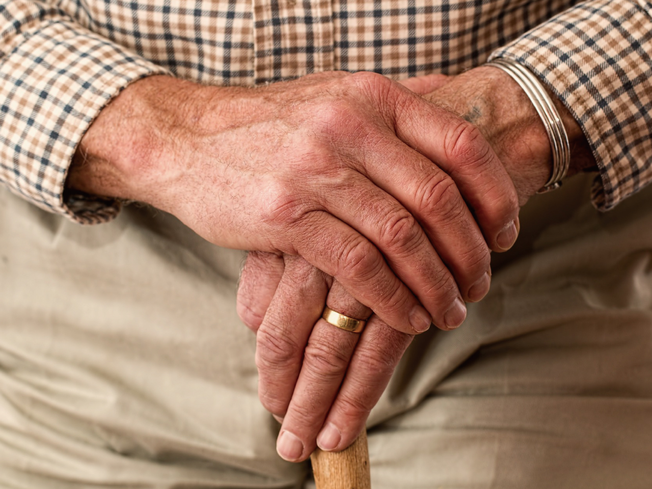 ご老人の手